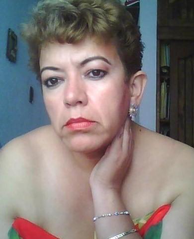 Mujeres Solteras D-629966